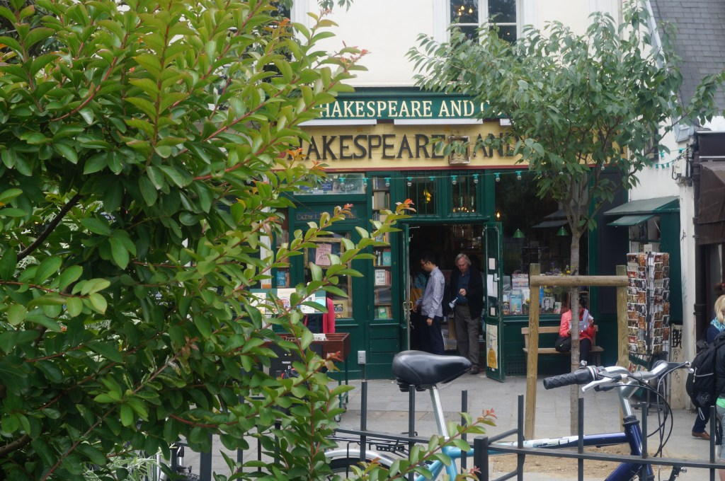 Shakespeare and Company - things to do in Paris
