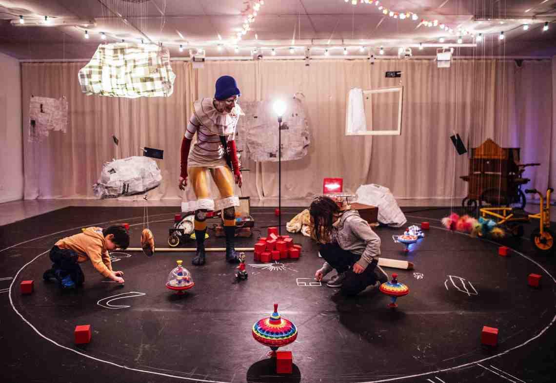 4h moins le quart, Madame Placard Atelier-spectacle de clowns (3-6 ans)