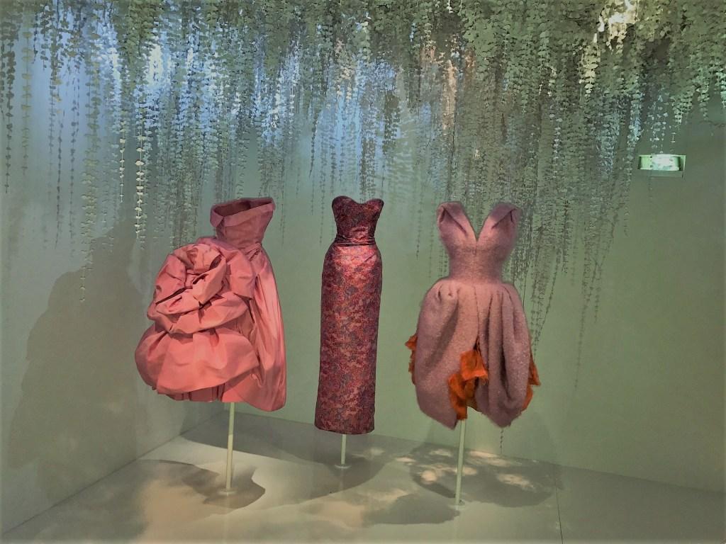 Znalezione obrazy dla zapytania dior exhibition 2017