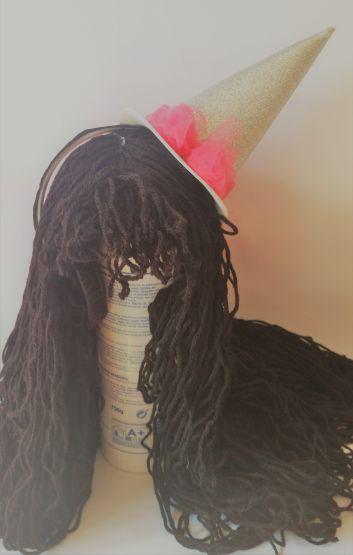 Peluca con sombrero bruja DIY