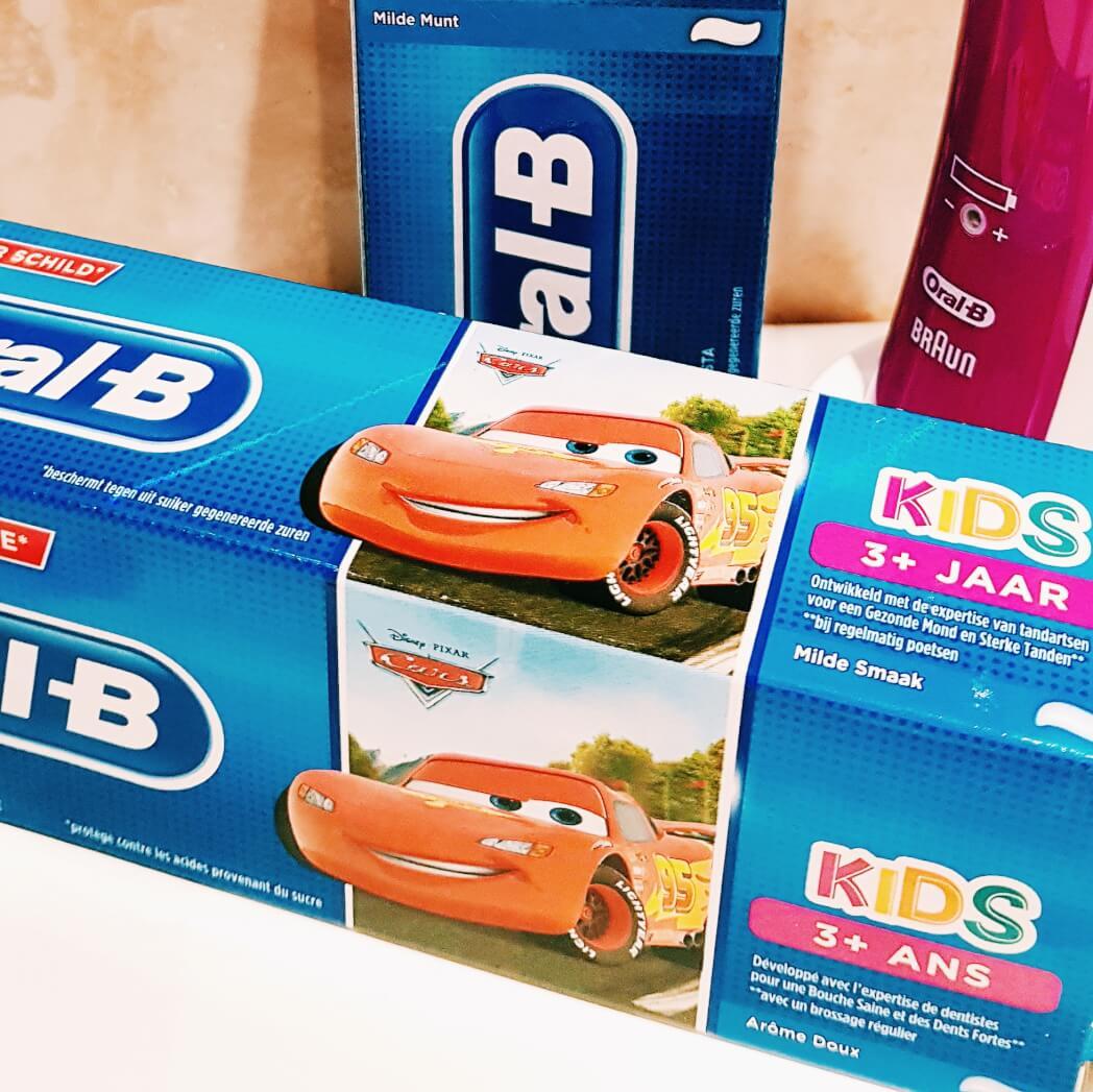Tanden poetsen kinderen Oral-B Mamameteenblog.nl