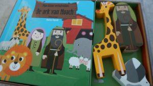 Recensie de kleine verhalendoos ark van Noach voorkant van het boek