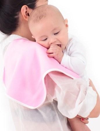 почему ребенок часто срыгивает