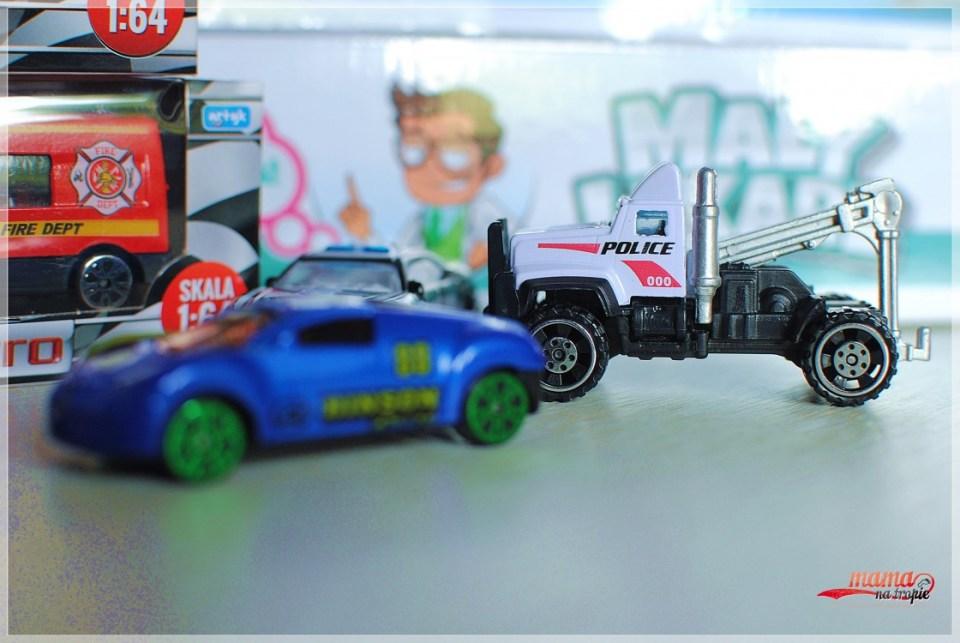 resoraki, samochodziki dla dzieci, dziecięce zabawki, prezent na dzień dziecka