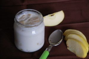 Yaourt aux pommes caramélisées