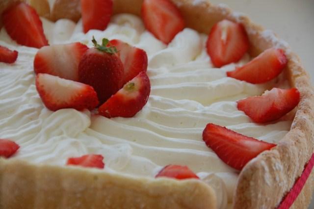 Charlotte aux fraises et bavaroise au fromage blanc