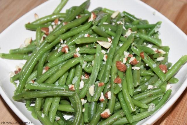 Haricots verts à l'ail et aux noisettes