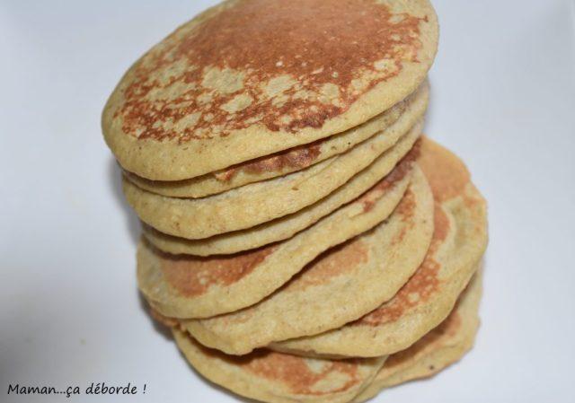 pancakes la banane et flocons d 39 avoine sans gluten maman a d borde. Black Bedroom Furniture Sets. Home Design Ideas