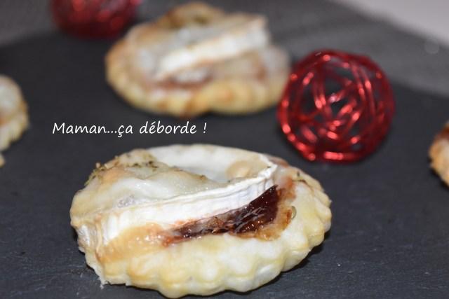 Toast feuilleté chèvre et chutney d'oignon