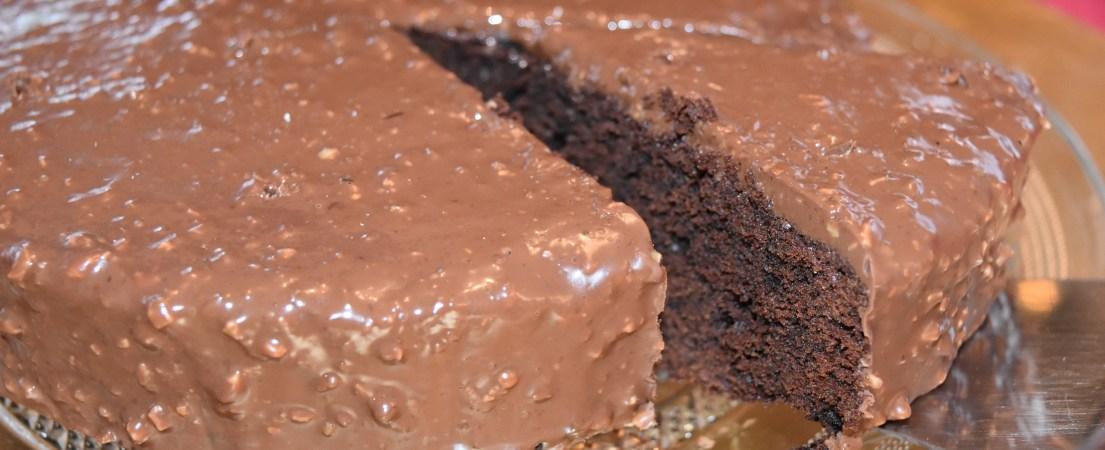 Gâteau au chocolat glaçage façon rocher
