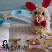 Le lapin de Pâques en pompons