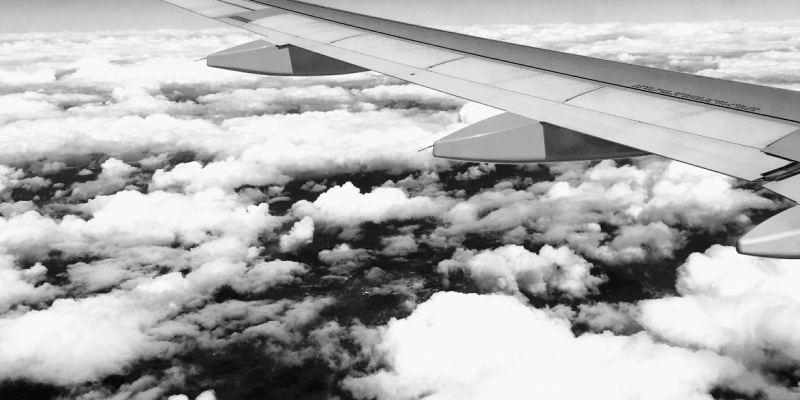 Cómo sobrevivir a un vuelo transoceánico con gemelos o mellizos de dos años
