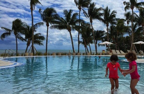 piscinas con niños