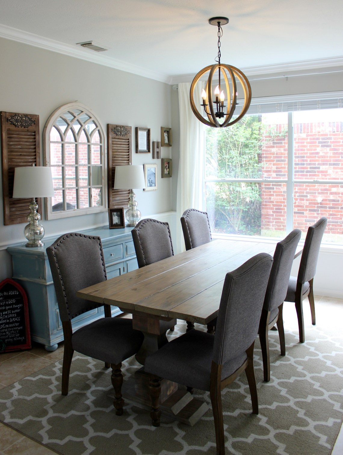 rustic farmhouse dining room on a budget