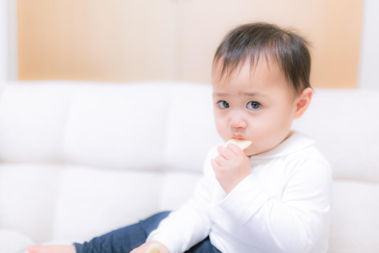 離乳期の子供のお菓子 いつから、どんなものをあげるべきか