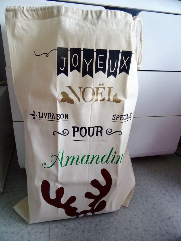 Comment Souhaiter Joyeux Noel Sur Facebook.Notre Jolie Hotte Du Pere Noel Avec Baby No Soucy Maman Et