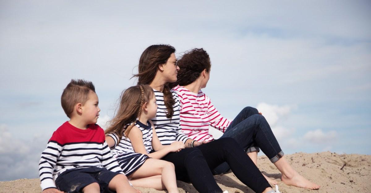 C'est les beaux jours alors on ressort les robes marinières Week End à la Mer