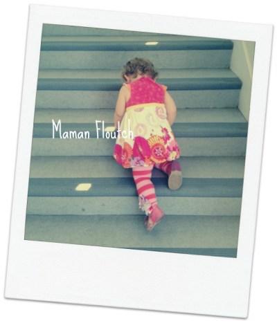 bébé escalier