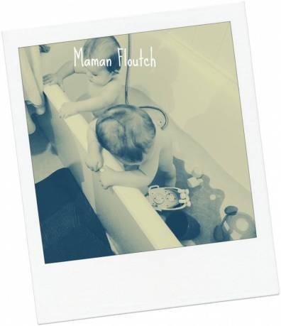 bain jumeaux bébé 10 mois