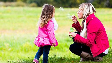 Jouer avec son enfant, un plaisir magique !