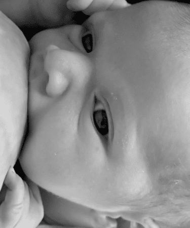 comment savoir si bébé prend assez de lait