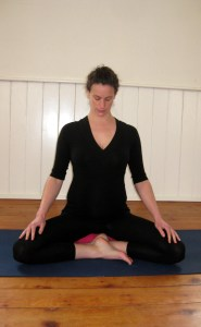 neck roll prenatal yoga