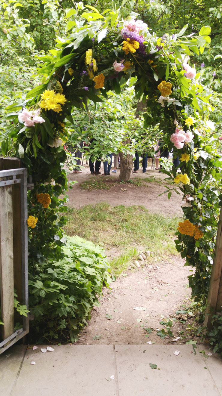 Gorgeous Floral Arch at Waldorf Steiner School|| Mamanushka.com
