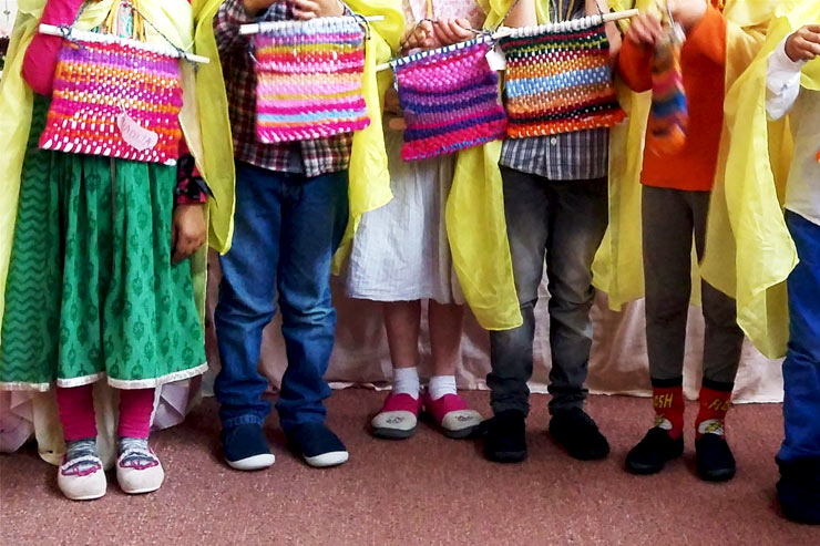 Waldorf Steiner Kindergarten Sunbeams With Weaving || Mamanushka.com