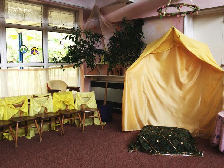 Waldorf Steiner Kindergarten Classroom || Mamanushka.com