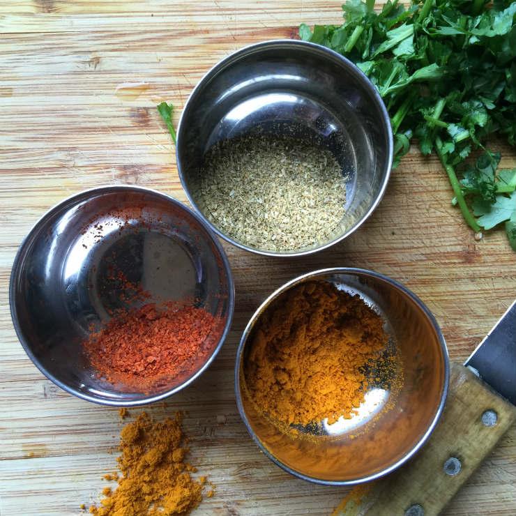 aubergines-spices-via-mamanushka-blog