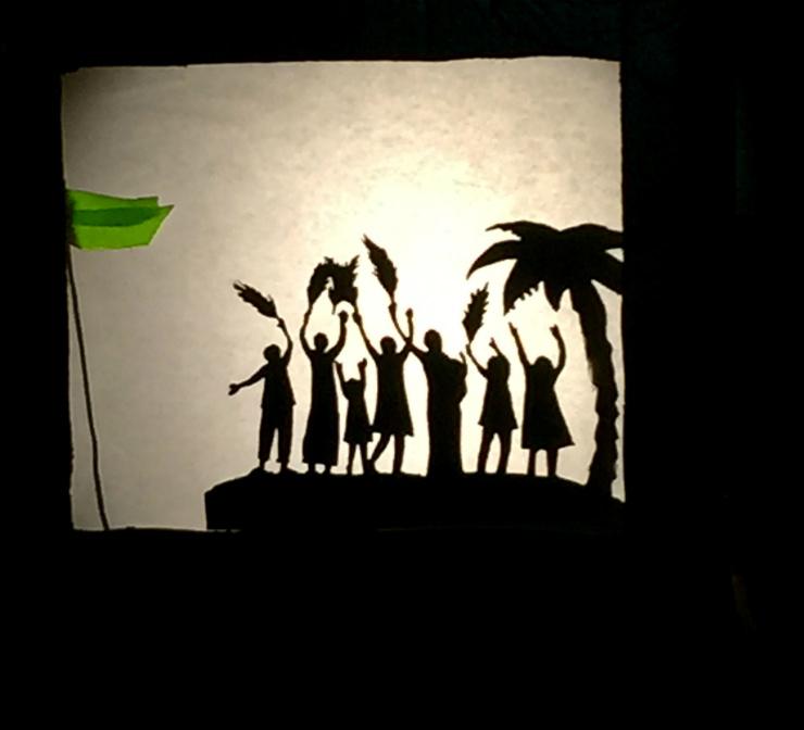 shadow-puppet-greenwelcome-scene-via-mamanushka-blog