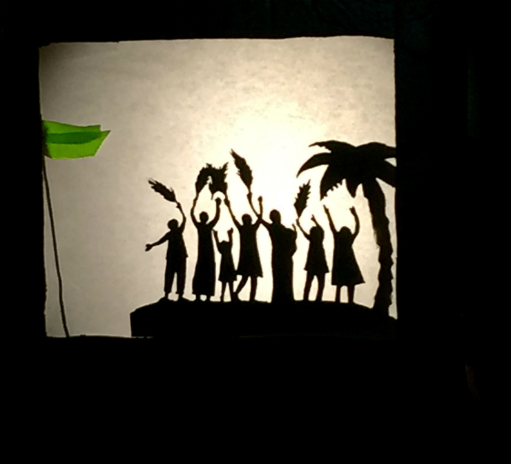 shadow-puppet-greenwelcome-scene-via-mamanushka-blog