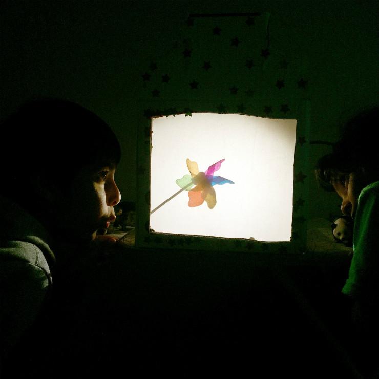 shadow-puppets-color-play-via-mamanushka-blog