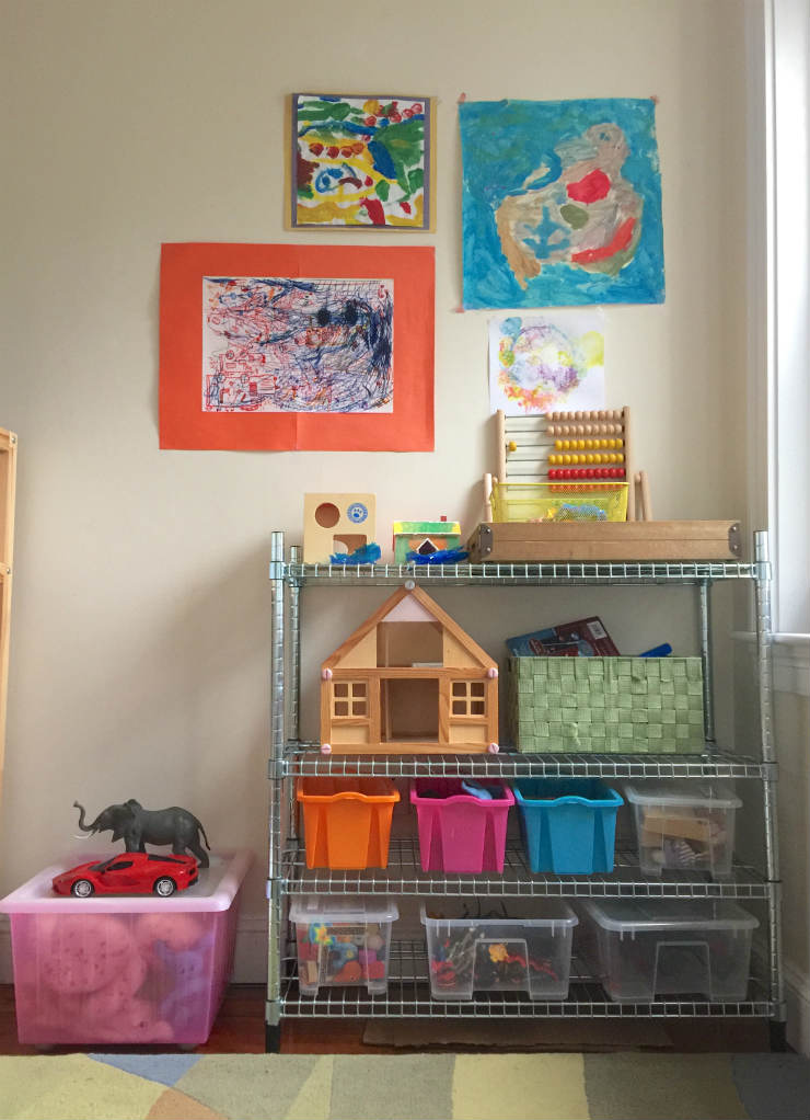 kids-room-decor-shelves-via-mamanushka-blog