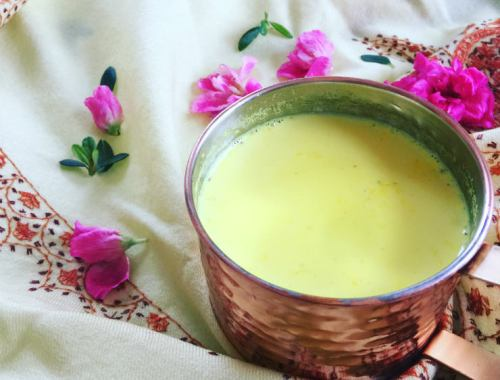 MAMANUSHKA.com|| Love In A Mug || Turmeric Milk || Golden Milk
