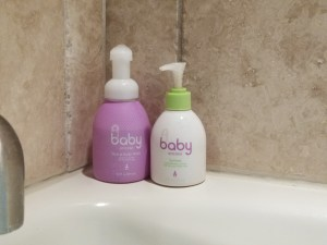 Mama of Both Worlds: Dry Skin and How To Treat It
