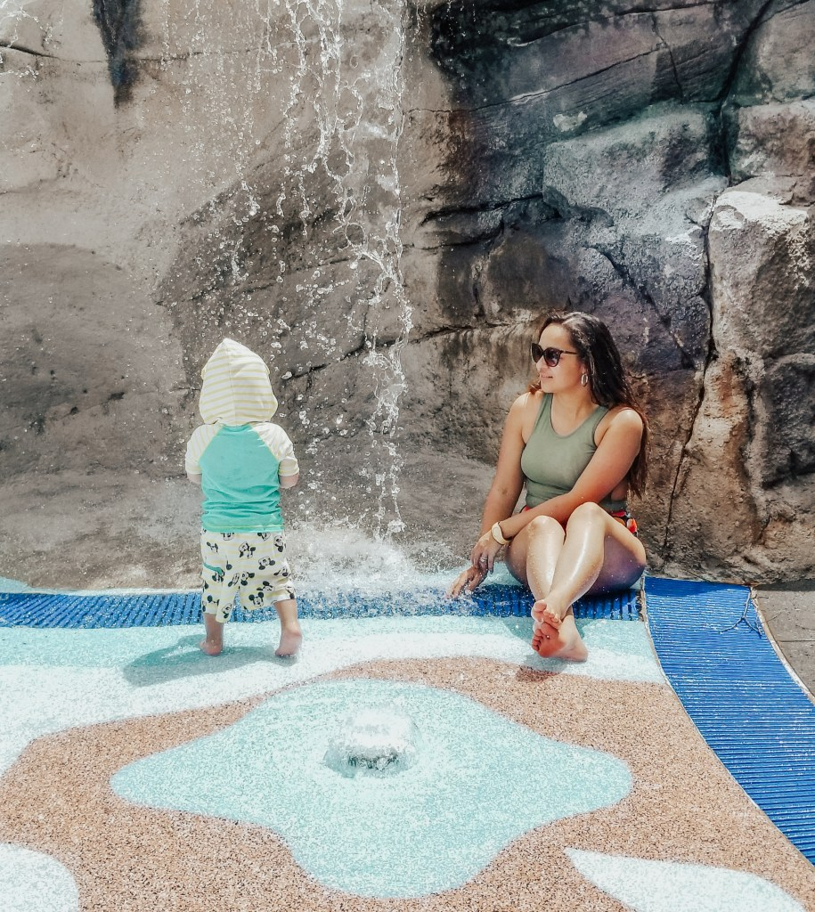 Mama of Both Worlds: Disney's Saratoga Springs High Rock Spring Pool