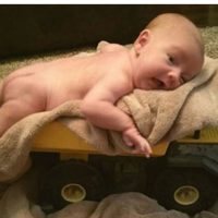 beba na kamionu