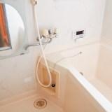 お風呂掃除はクエン酸で簡単ピカピカ♪メラミンスポンジも大活躍!!