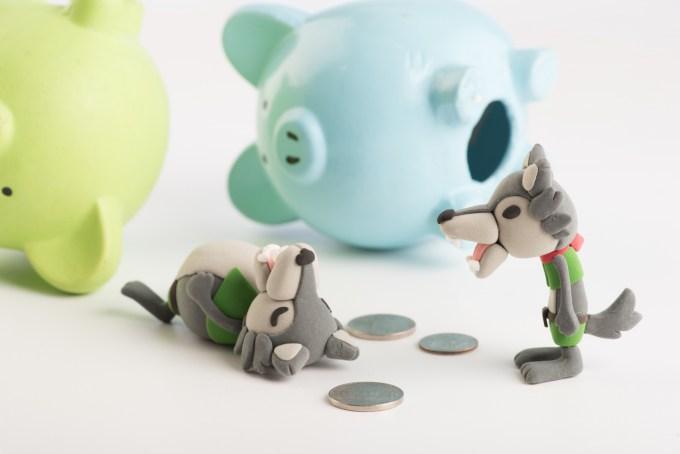 2匹のオオカミとブタの貯金箱