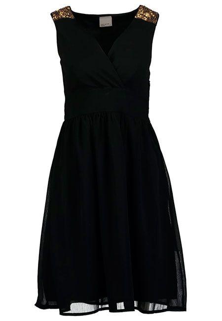 Maneras de combinar un vestido negro  Mam puede