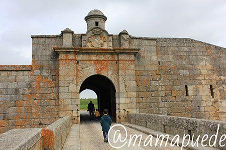 puerta de entrada a la ciudad de Almeida
