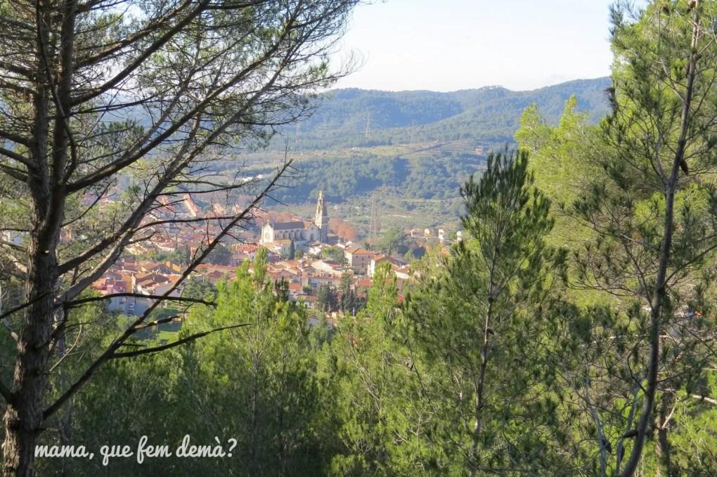 Vistas de Castellar del Vallès desde el camino que va al Puig de la Creu