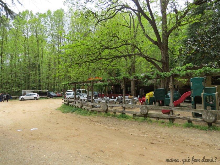 Parque infantil y bar del Picnic La Riera d'Arbúcies
