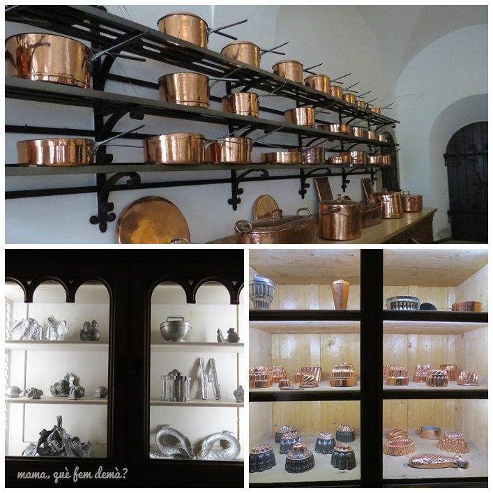 moldes para pasteles y ollas de la cocina del castillo del rey loco