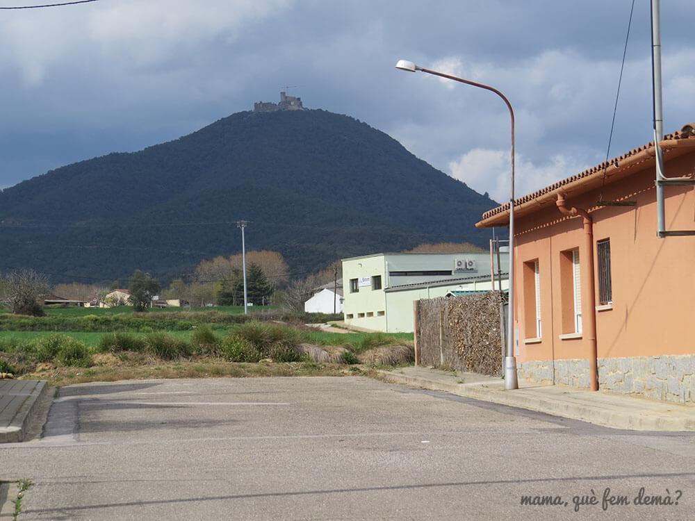Castell de Montsoriu visto desde Breda