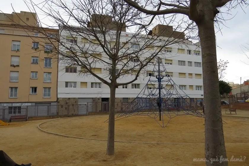 Parque infantil para niños más grandes en el Parc Sant Jordi