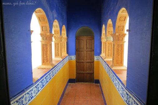 Pasillo que une el Museu Maricel con el Palacio.