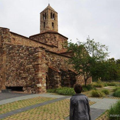 Iglesia de Santa María desde el exterior.