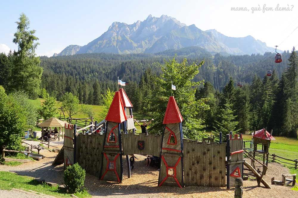 parque infantil en el monte pilatus